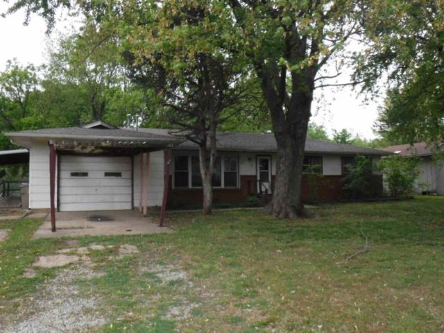 719 S Willow St, Douglass, KS 67039 (MLS #566445) :: Wichita Real Estate Connection