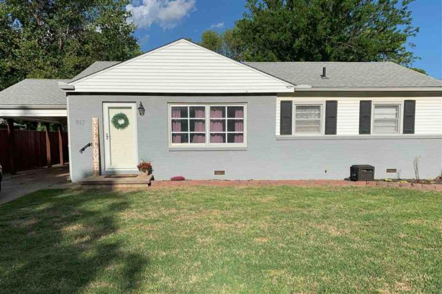 910 N Derby Ave, Derby, KS 67037 (MLS #566632) :: On The Move
