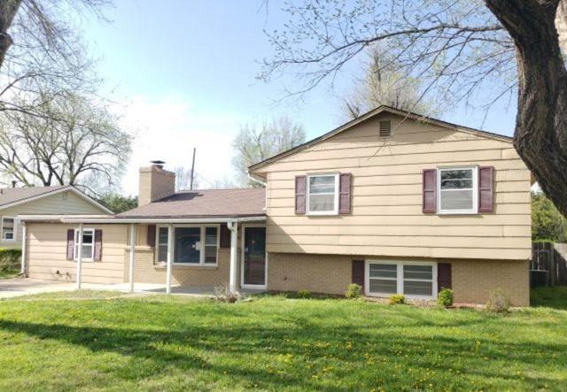 520 E 23RD AVE, Hutchinson, KS 67502 (MLS #566865) :: Pinnacle Realty Group