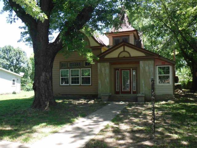 1316 Loomis St, Winfield, KS 67156 (MLS #568289) :: On The Move