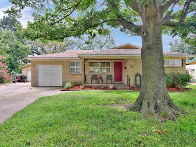 2428 N Clarence Ave, Wichita, KS 67204 (MLS #572329) :: On The Move
