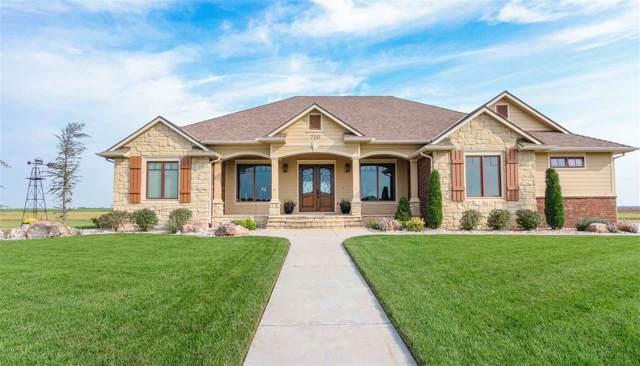 720 E Wheatridge St, Pretty Prairie, KS 67570 (MLS #572341) :: Lange Real Estate