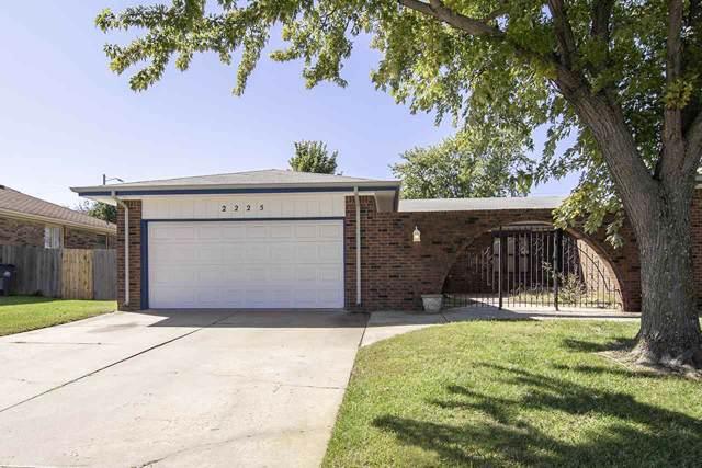 2225 S White Oak Dr, Wichita, KS 67207 (MLS #573413) :: Lange Real Estate