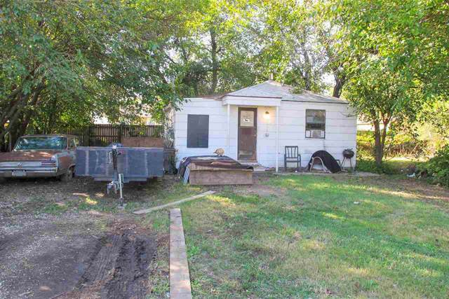 3015 N Park Pl, Wichita, KS 67204 (MLS #573780) :: Lange Real Estate