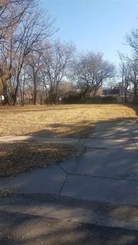 2234 N Woodland, Wichita, KS 67204 (MLS #574663) :: On The Move