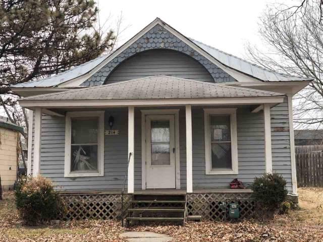 214 N Massachusetts St, Winfield, KS 67156 (MLS #576890) :: Pinnacle Realty Group