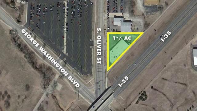 2660 S Oliver St, Wichita, KS 67210 (MLS #577001) :: On The Move