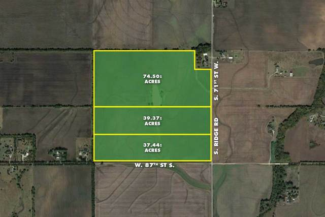 37.44 +/- Acres At 87th & Ridge Rd., Clearwater, KS 67026 (MLS #577872) :: On The Move