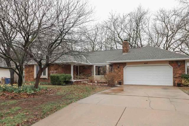 907 N Briarwood Rd, Derby, KS 67037 (MLS #578806) :: Lange Real Estate