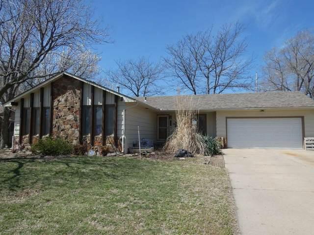405 Rolling Hills Dr, Newton, KS 67114 (MLS #579352) :: Pinnacle Realty Group