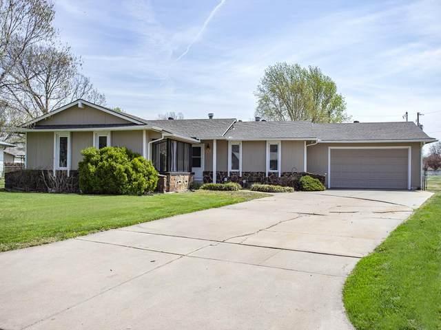 1543 W Nottingham Ln, Wichita, KS 67204 (MLS #579751) :: Pinnacle Realty Group