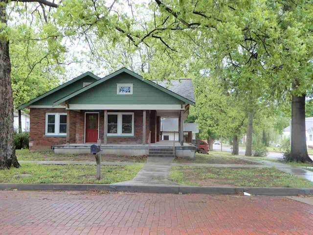 702 N 4th Street, Arkansas City, KS 67005 (MLS #581283) :: Kirk Short's Wichita Home Team