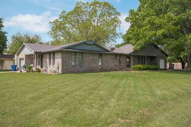 203 W 3rd St, Douglass, KS 67039 (MLS #581294) :: Lange Real Estate