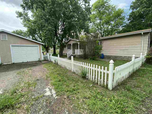 121 N Jackson, Sedgwick, KS 67135 (MLS #581353) :: Lange Real Estate