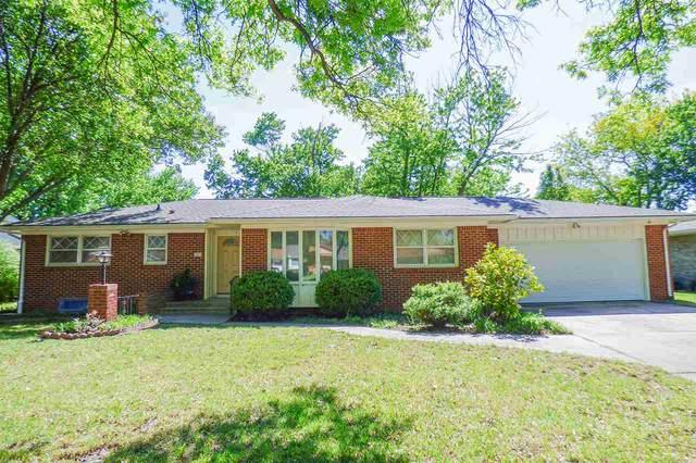 1821 N Farmstead St, Wichita, KS 67208 (MLS #581512) :: Lange Real Estate