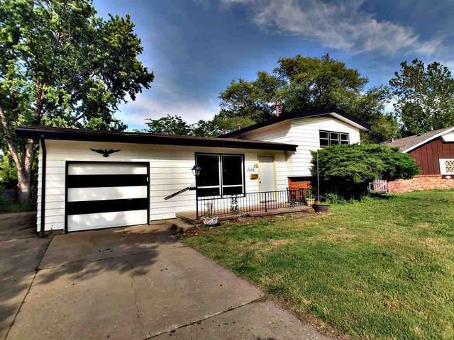 1006 S Eastmoor St, Wichita, KS 67207 (MLS #582110) :: Kirk Short's Wichita Home Team