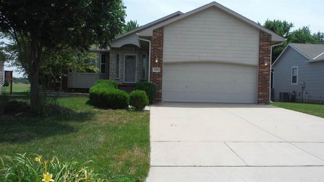 821 Hedgewood St, Andover, KS 67002 (MLS #583025) :: Lange Real Estate