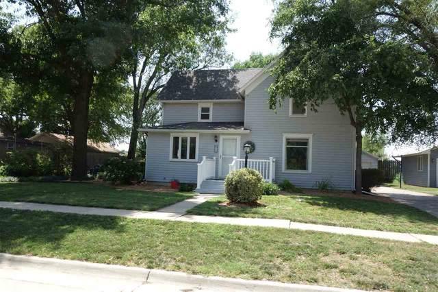 209 N Weaver, Hesston, KS 67062 (MLS #583668) :: Kirk Short's Wichita Home Team