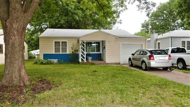 2331 S Dellrose St, Wichita, KS 67218 (MLS #584535) :: Graham Realtors