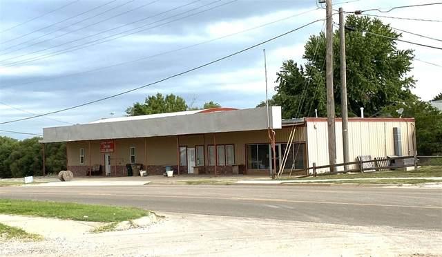 304 W Fowler Ave, Medicine Lodge, KS 67104 (MLS #584768) :: Kirk Short's Wichita Home Team