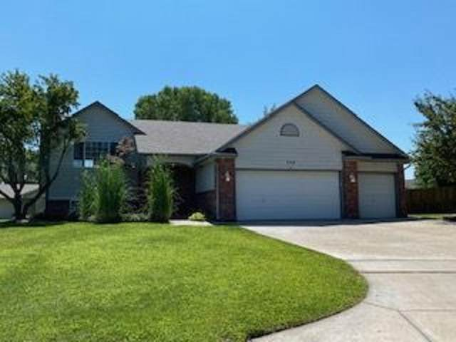 735 E High Plains Cir, Maize, KS 67101 (MLS #584807) :: Preister and Partners | Keller Williams Hometown Partners