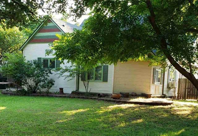 219 Walnut St, Halstead, KS 67056 (MLS #584861) :: Pinnacle Realty Group