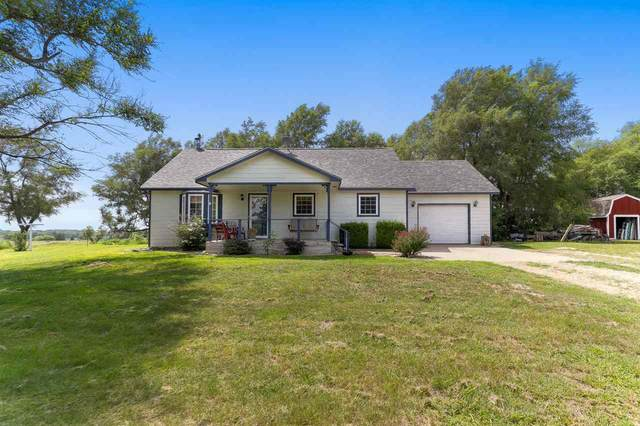 5215 E 17th Ave, Hutchinson, KS 67501 (MLS #584912) :: Jamey & Liz Blubaugh Realtors