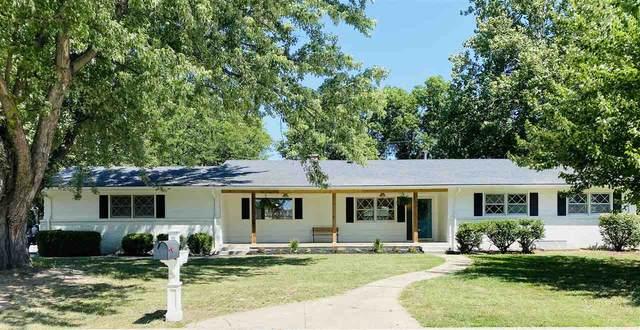 8202 E Willowbrook Rd, Wichita, KS 67207 (MLS #585248) :: Kirk Short's Wichita Home Team