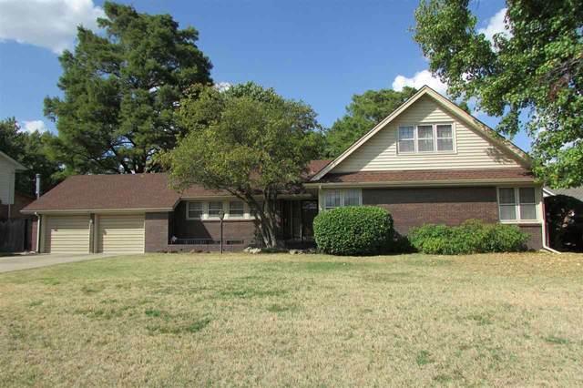 2902 W River Park Dr, Wichita, KS 67203 (MLS #585880) :: Jamey & Liz Blubaugh Realtors