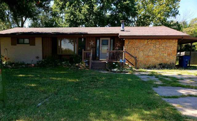 105 S Madison Ave, Sedgwick, KS 67135 (MLS #586139) :: Kirk Short's Wichita Home Team