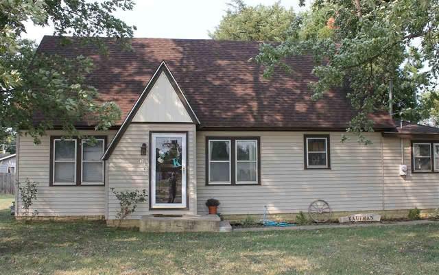 306 E 5th St, Haven, KS 67543 (MLS #586383) :: Keller Williams Hometown Partners