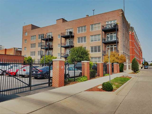 201 S Saint Francis Ave Unit #203, Wichita, KS 67202 (MLS #586481) :: Kirk Short's Wichita Home Team