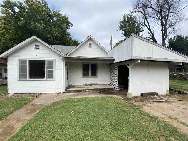 714 W Chestnut Ave, Arkansas City, KS 67005 (MLS #586524) :: Keller Williams Hometown Partners