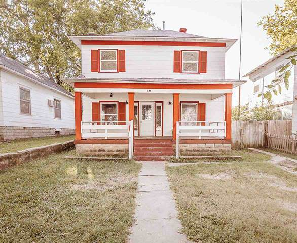 211 S D St, Arkansas City, KS 67005 (MLS #586775) :: Keller Williams Hometown Partners