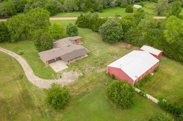 1166 N Ponderosa Rd, Belle Plaine, KS 67013 (MLS #587107) :: Graham Realtors