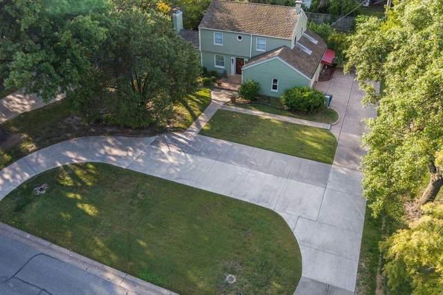 19 E Huntington, Eastborough, KS 67206 (MLS #587317) :: Kirk Short's Wichita Home Team