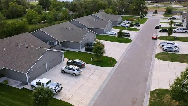1282 N Curtis Ct 1284 N Curtis, Wichita, KS 67101 (MLS #587358) :: Keller Williams Hometown Partners