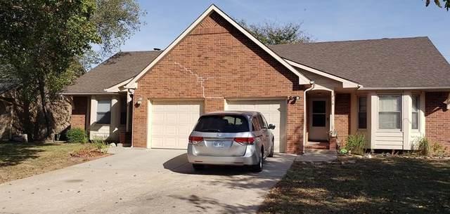 1836 S Stacey St, Wichita, KS 67207 (MLS #589069) :: Jamey & Liz Blubaugh Realtors