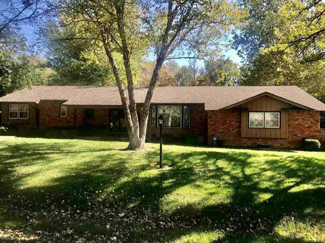 11204 W Valley Hi Ct, Wichita, KS 67205 (MLS #589082) :: Jamey & Liz Blubaugh Realtors