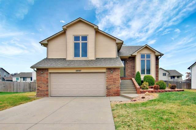 2007 N Pineview Dr, Andover, KS 67002 (MLS #589087) :: Kirk Short's Wichita Home Team