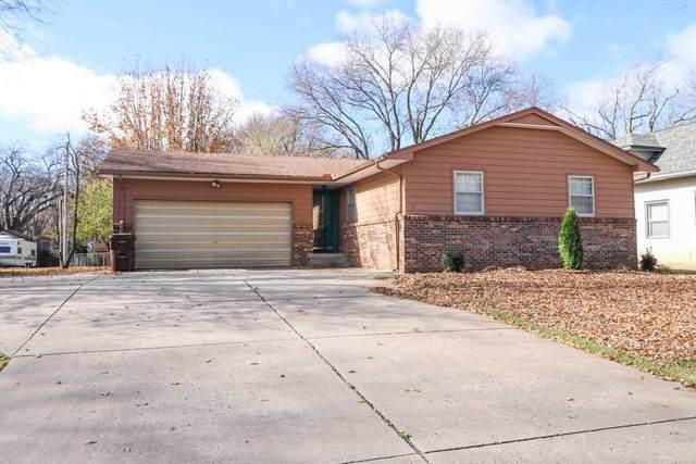 417 N 2nd Ave, Mulvane, KS 67110 (MLS #589112) :: Jamey & Liz Blubaugh Realtors