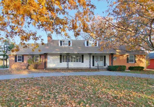 1212 Parkwood Ln, Newton, KS 67114 (MLS #589147) :: Preister and Partners | Keller Williams Hometown Partners