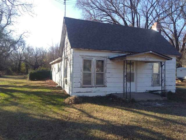 607 W Parallel St, Conway Springs, KS 67031 (MLS #589398) :: On The Move