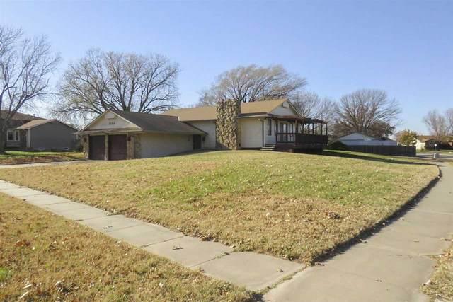 1753 N Byron Rd, Wichita, KS 67212 (MLS #589413) :: Jamey & Liz Blubaugh Realtors