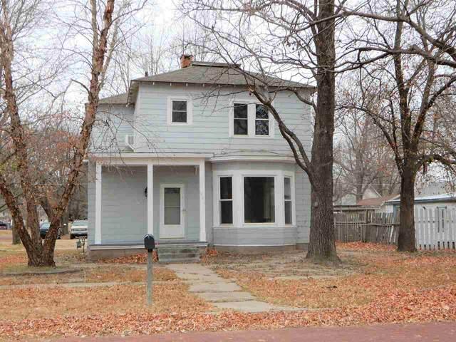 801 N D Street, Arkansas City, KS 67005 (MLS #589528) :: Jamey & Liz Blubaugh Realtors