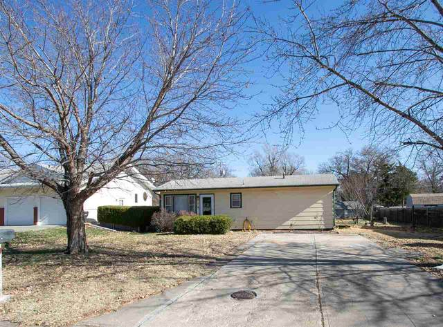210 Columbus, Newton, KS 67114 (MLS #589536) :: Kirk Short's Wichita Home Team