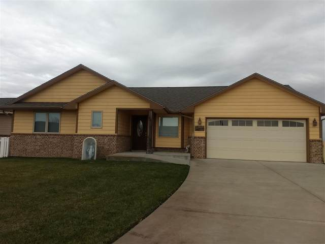 1436 Main, Halstead, KS 67056 (MLS #589575) :: On The Move