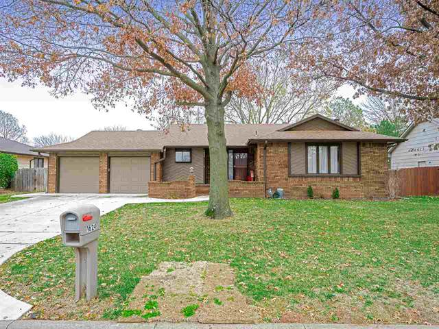 1624 N Stoney Point St, Wichita, KS 67212 (MLS #589625) :: Jamey & Liz Blubaugh Realtors
