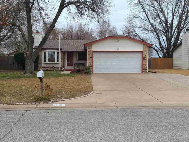 312 E Maywood St, Wichita, KS 67216 (MLS #589634) :: Kirk Short's Wichita Home Team