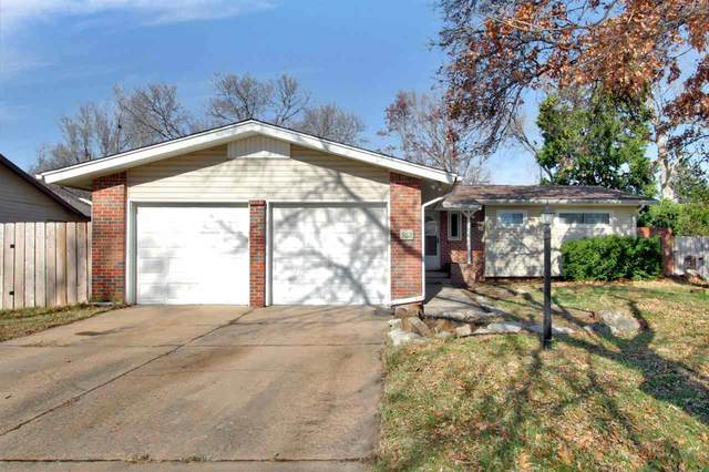 9112 W Hickory Ln, Wichita, KS 67212 (MLS #589673) :: Jamey & Liz Blubaugh Realtors
